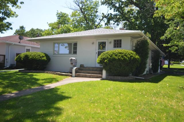 1925 N Hickory Street, Crest Hill, IL 60403 (MLS #09963007) :: The Perotti Group