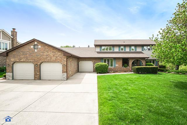 8025 Cambridge Drive, Orland Park, IL 60462 (MLS #09963201) :: Lewke Partners
