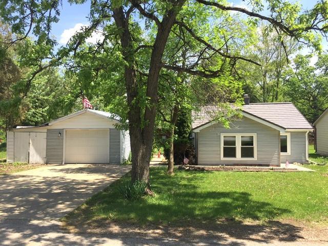 6211 242nd Avenue, Paddock Lake, WI 53168 (MLS #09963324) :: Ani Real Estate
