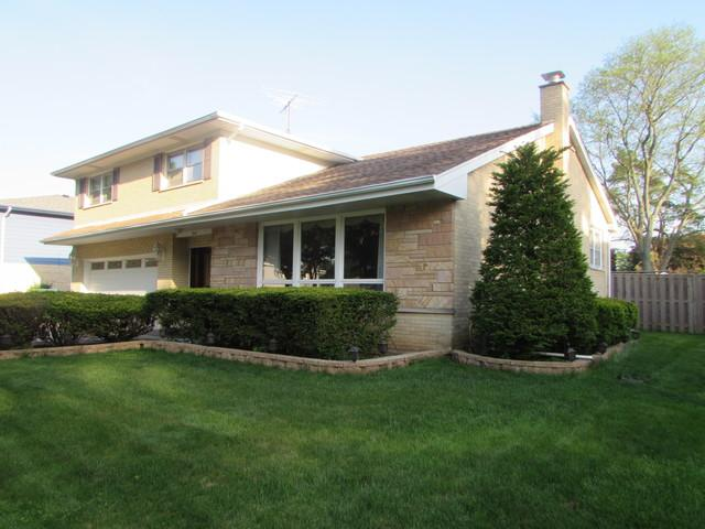 947 Garden Lane, Wheeling, IL 60090 (MLS #09964735) :: The Dena Furlow Team - Keller Williams Realty