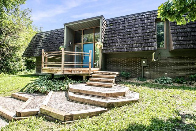 6693 Buckhorn Trail, Loves Park, IL 61111 (MLS #09965653) :: Lewke Partners