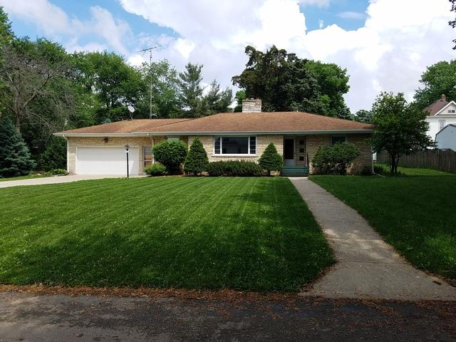 902 Paddock Avenue, Ashton, IL 61006 (MLS #09968547) :: The Dena Furlow Team - Keller Williams Realty