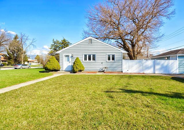 4227 W 90th Street, Hometown, IL 60456 (MLS #09970008) :: The Dena Furlow Team - Keller Williams Realty