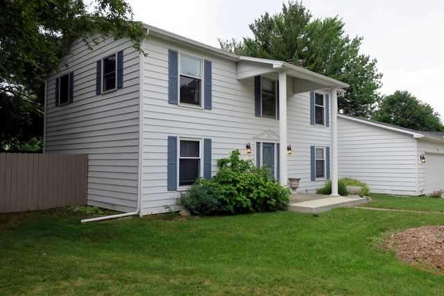 8 Clover Leaf Court, Savoy, IL 61874 (MLS #09970293) :: Ryan Dallas Real Estate
