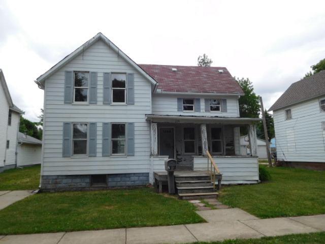 219 E Patton Street, Paxton, IL 60957 (MLS #09970704) :: Lewke Partners