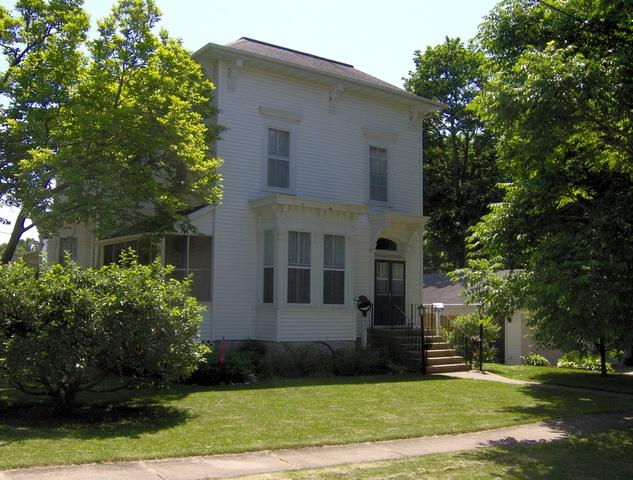 404 Jackson Street, Genoa, IL 60135 (MLS #09970957) :: Ani Real Estate