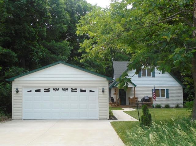 1098 Lake Wildwood Drive, Varna, IL 61375 (MLS #09971927) :: Lewke Partners