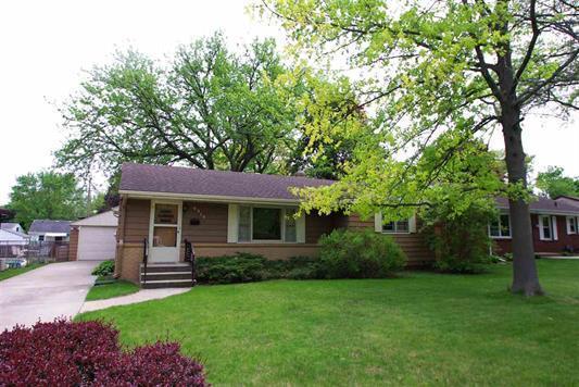 6319 Park Ridge Road, Loves Park, IL 61111 (MLS #09972324) :: Lewke Partners
