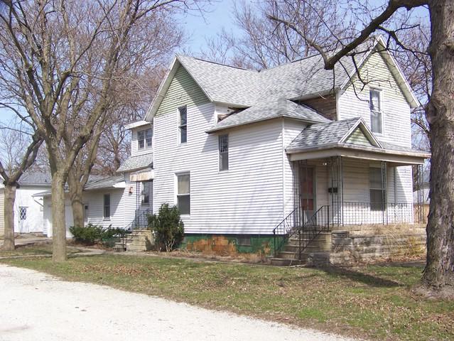757 Pells Street, Paxton, IL 60957 (MLS #09972792) :: Lewke Partners