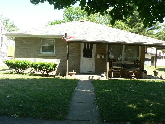 336 N Blaine Avenue, Bradley, IL 60915 (MLS #09973863) :: The Dena Furlow Team - Keller Williams Realty