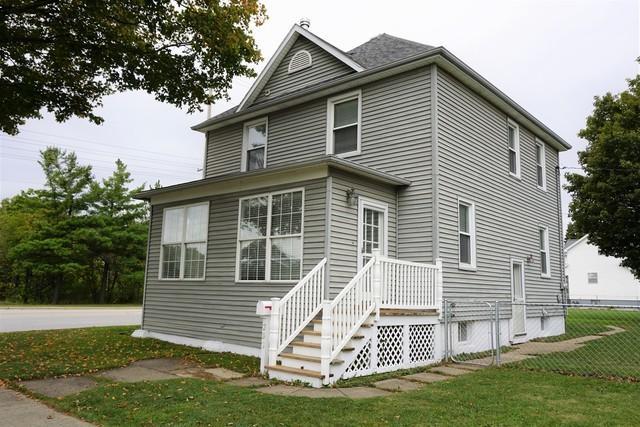 203 E Patton Street, Paxton, IL 60957 (MLS #09973866) :: Lewke Partners