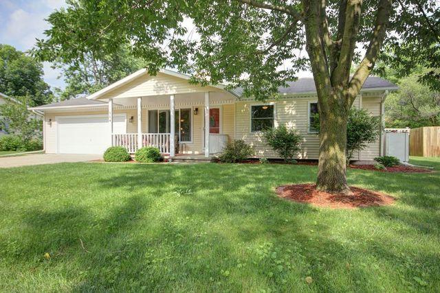 504 N 8th Street, ST. JOSEPH, IL 61873 (MLS #09973890) :: Ani Real Estate
