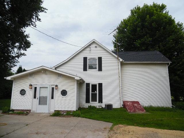 8760 Garden Plain Road, Morrison, IL 61270 (MLS #09974237) :: Ani Real Estate