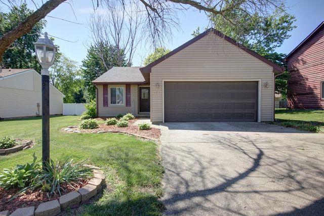 613 Compton Avenue, Champaign, IL 61822 (MLS #09974560) :: Littlefield Group