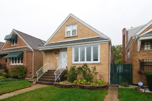 6117 S Rutherford Avenue, Chicago, IL 60638 (MLS #09975329) :: The Dena Furlow Team - Keller Williams Realty
