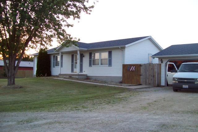 6110 Penrose Road, Fulton, IL 61252 (MLS #09976266) :: Lewke Partners