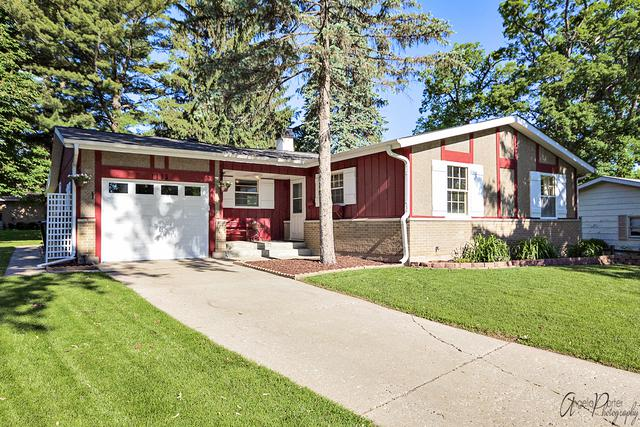 1115 Manchester Mall, Mchenry, IL 60050 (MLS #09976714) :: The Dena Furlow Team - Keller Williams Realty