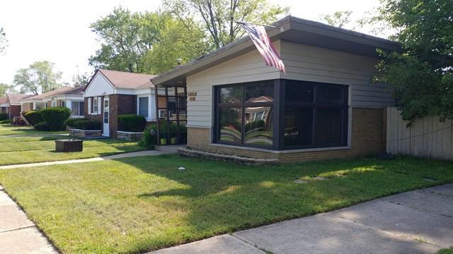 12600 S Throop Street, Calumet Park, IL 60827 (MLS #09977511) :: The Dena Furlow Team - Keller Williams Realty