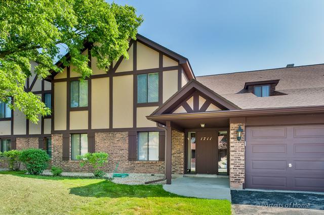1711 Lakecliffe Drive B, Wheaton, IL 60189 (MLS #09979504) :: The Dena Furlow Team - Keller Williams Realty