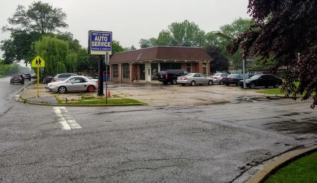 17 Ogden Avenue, Western Springs, IL 60558 (MLS #09980461) :: Lewke Partners