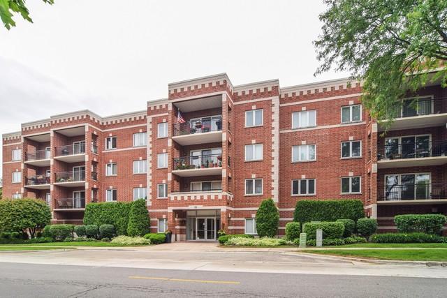 100 N Gary Avenue #206, Wheaton, IL 60187 (MLS #09980547) :: The Dena Furlow Team - Keller Williams Realty