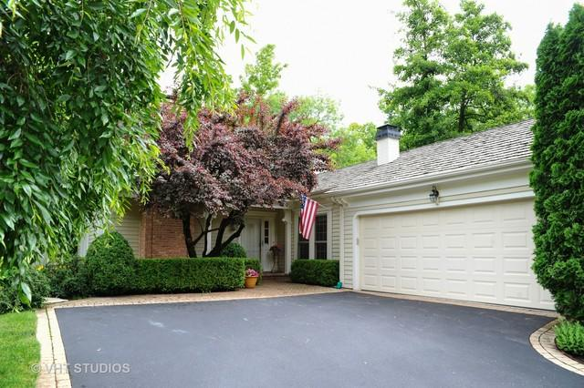 2 Court Of Fox River Valley, Lincolnshire, IL 60069 (MLS #09980683) :: Helen Oliveri Real Estate