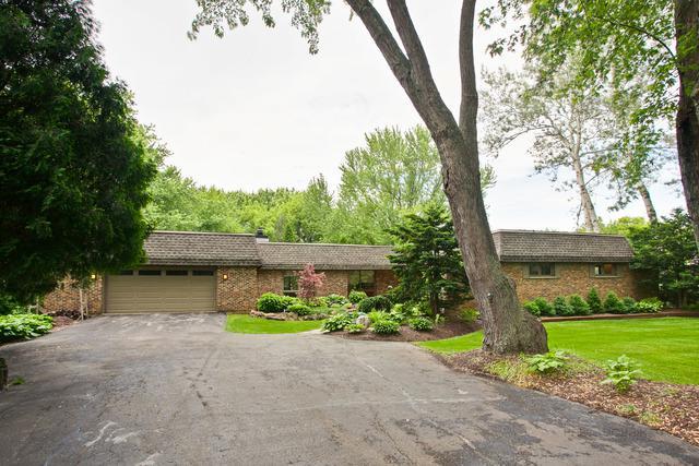 162 Harbor Drive, Lake Barrington, IL 60010 (MLS #09981459) :: Helen Oliveri Real Estate