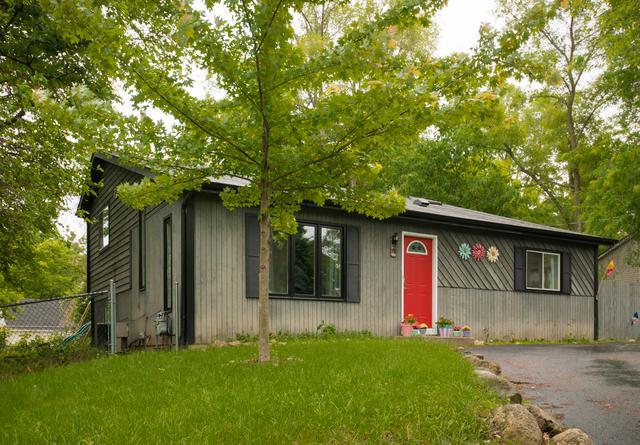 19 Hill Road, Fox Lake, IL 60020 (MLS #09981683) :: Ani Real Estate
