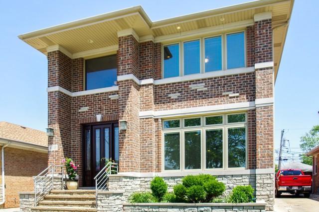 4553 N Orange Avenue, Norridge, IL 60706 (MLS #09982105) :: The Dena Furlow Team - Keller Williams Realty