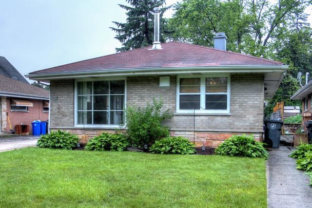 4322 Oak Avenue, Lyons, IL 60534 (MLS #09982267) :: Ani Real Estate