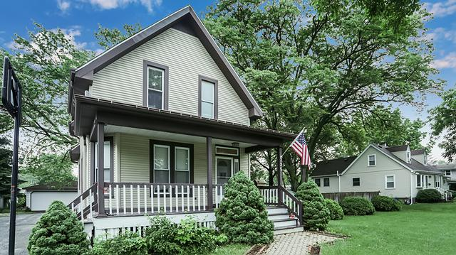 725 9th Avenue, La Grange, IL 60525 (MLS #09982583) :: Lewke Partners