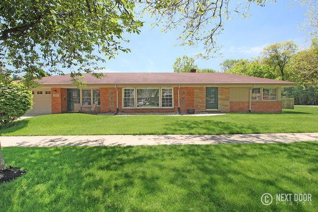 6353 W Estes Avenue, Chicago, IL 60646 (MLS #09983167) :: Lewke Partners