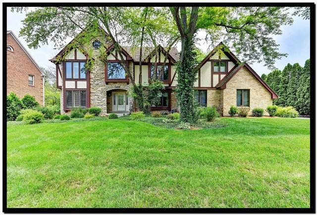 8941 Royal Drive, Burr Ridge, IL 60527 (MLS #09983478) :: The Wexler Group at Keller Williams Preferred Realty