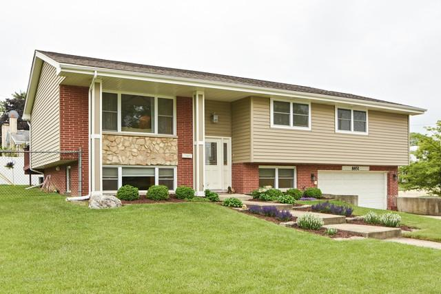 8851 W 92nd Place, Hickory Hills, IL 60457 (MLS #09983517) :: The Wexler Group at Keller Williams Preferred Realty