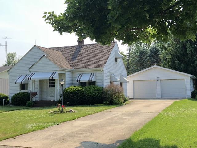 640 S Park Street, Paxton, IL 60957 (MLS #09983612) :: Lewke Partners