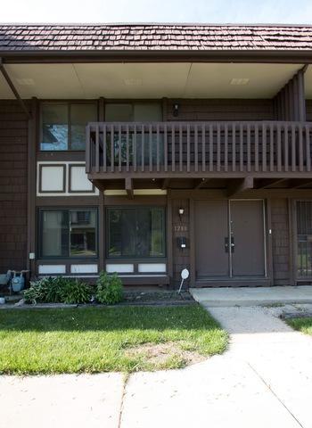 1280 Court E, Hanover Park, IL 60133 (MLS #09984710) :: The Dena Furlow Team - Keller Williams Realty
