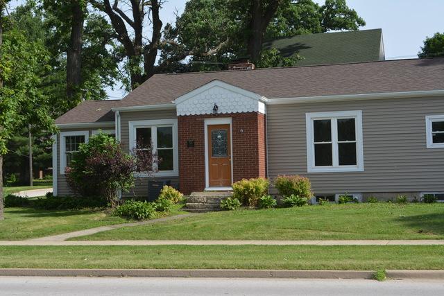 318 E Lincoln Avenue, Hinckley, IL 60520 (MLS #09985047) :: The Dena Furlow Team - Keller Williams Realty