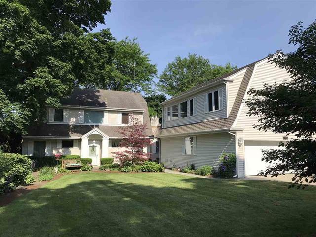 7124 N 2ND Street, Loves Park, IL 61115 (MLS #09985835) :: Lewke Partners