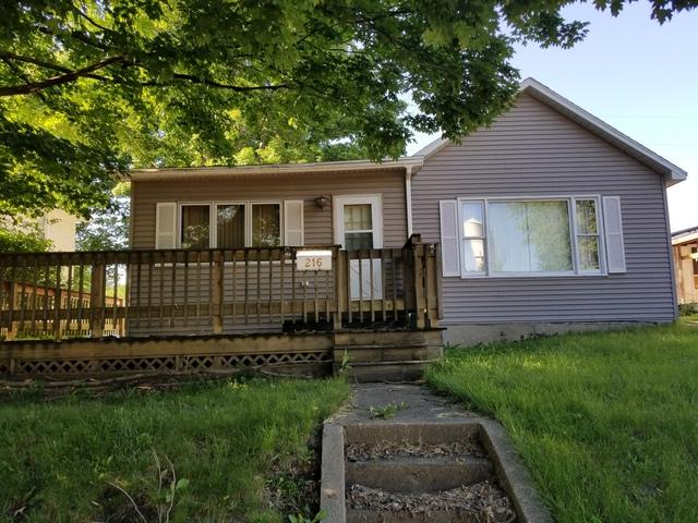 216 E Dakota Street, Spring Valley, IL 61362 (MLS #09985917) :: Ani Real Estate