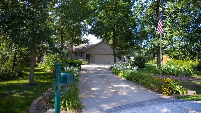 109 Spring Court, Sheldon, IL 60966 (MLS #09986594) :: Baz Realty Network | Keller Williams Preferred Realty