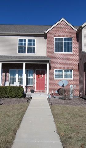 585 Stonegate Drive, Sycamore, IL 60178 (MLS #09986795) :: Ani Real Estate