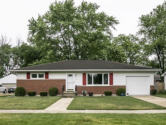 209 E Wilson Street, Peotone, IL 60468 (MLS #09987095) :: Ani Real Estate