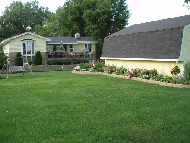 512 Park Avenue, Fox Lake, IL 60020 (MLS #09987166) :: Ani Real Estate