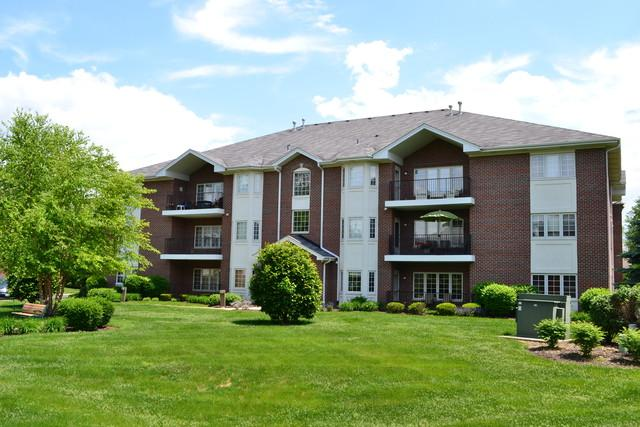 13128 Timber Trail #204, Palos Heights, IL 60463 (MLS #09987276) :: The Wexler Group at Keller Williams Preferred Realty