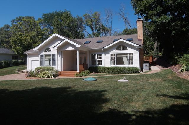 239 Beachview Lane, North Barrington, IL 60010 (MLS #09988292) :: The Dena Furlow Team - Keller Williams Realty