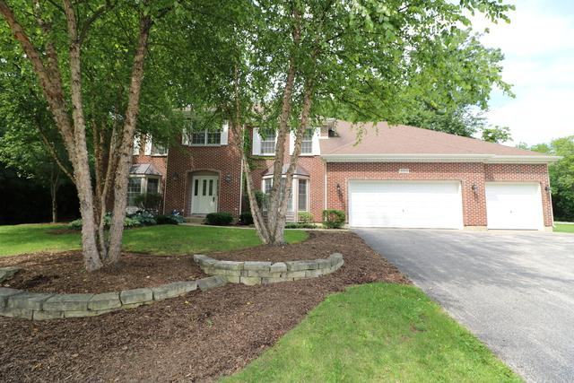3315 Lakewood Drive, Crystal Lake, IL 60012 (MLS #09988517) :: The Jacobs Group