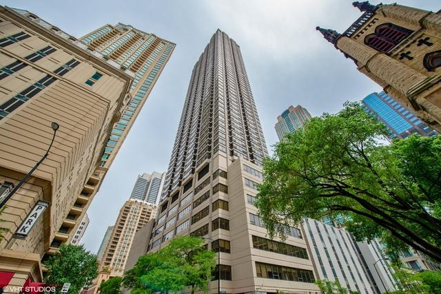 30 E Huron Street #1304, Chicago, IL 60611 (MLS #09988753) :: Property Consultants Realty