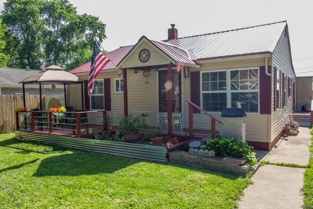 1010 Geraldine Avenue, Urbana, IL 61801 (MLS #09988871) :: Littlefield Group