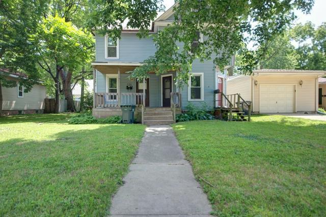704 S Vine Street, Urbana, IL 61801 (MLS #09988885) :: The Dena Furlow Team - Keller Williams Realty