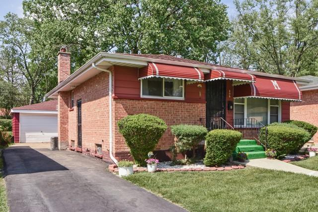 305 Hickory Street, Chicago Heights, IL 60411 (MLS #09989303) :: Ani Real Estate
